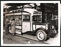 """old postcard: Fotografie London Commercial Motor Show im Olympia, """"Willy's Mobile-Shop"""", Auto-Laden, LKW"""