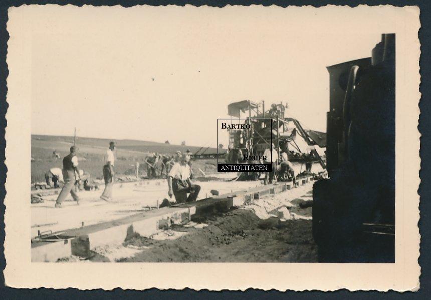 Foto ca. 1955 Baumschine Gabriel Dreßler & Sohn Darmstadt Straßenbau Baustelle